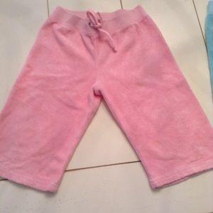 GREAT BUY 3 Pairs of Girls Juicy Capri terry pants